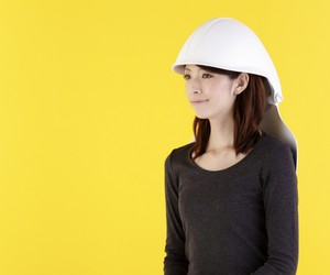 Mamoris Chair transforms into Safety Helmet