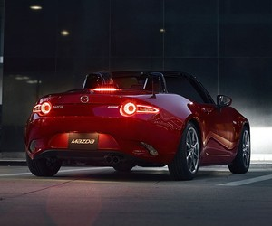 Getting to Know the 2016 Mazda MX-5 Miata