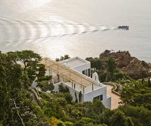 4a Architekten Renovates Heritage-Protected Villa