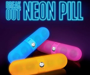 BREAK OUT NEON PILL BY BEATS BY DR. DRE