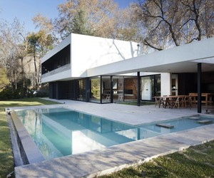LLTT House by Enrique Barberis