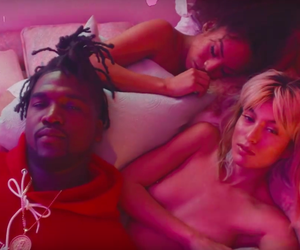 Derek Wise hangs with pretty girls *NSFW