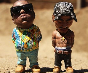 Hand-Painted Sculptures of Tupac and Biggie Smalls
