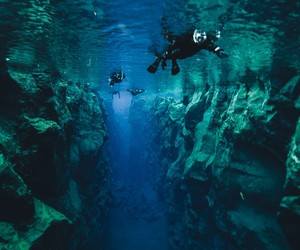 Dive  between two continents (really)