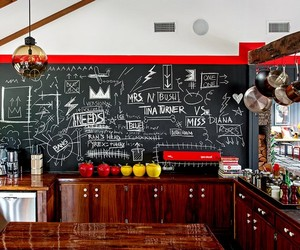 New York Home Boasts Bold Color Combinations