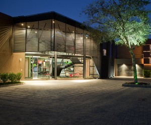 House in Mooikloof by Nico van der Meulen Architec