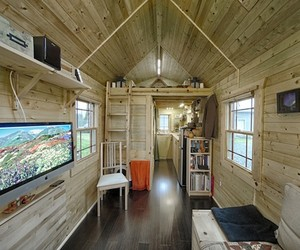 Tiny Tack Home
