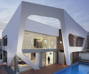 HOUSE IN ASHDOD / ISRAEL ZAHAVI ARCHITECTS