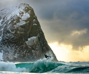 Surfing Photography from the Massif Management