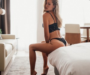 """Fridaze Seduction"" feat. Model Sherelle de Jong"