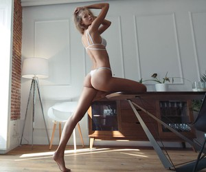 """Morning Stretches"" with Model Mariina Keskitalo"