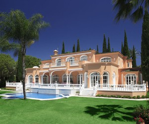 Searching the Prince Mansion in Marbella
