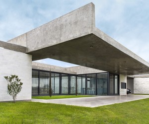 RB HOUSE by Fritz + Fritz Arquitectos