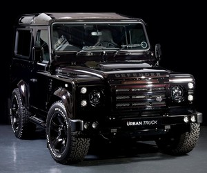 Land Rover Defender | Urban Truck
