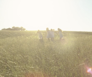 Video: Daisy by Marc Jacobs