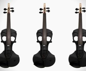 Stratton Skull Violin