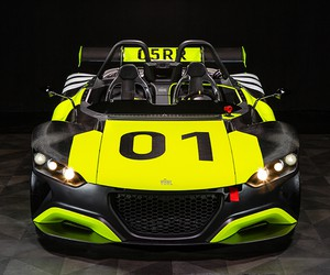 Vuhl Debuts Road-Legal 05RR Race Car