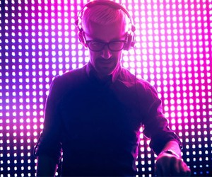 Watch Above & Beyond and Mat Zo Live from London