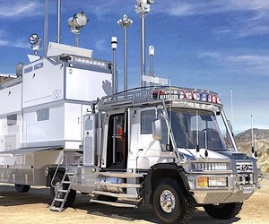 Bran Ferren builds a high-tech truck