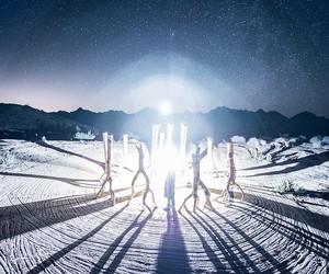 Circle of Abstract Ritual: 300.000 Photos