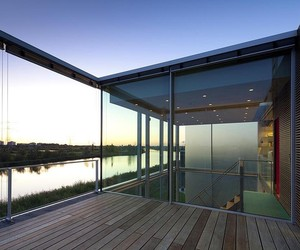 Panoramic Glass Views From The Rieteiland House