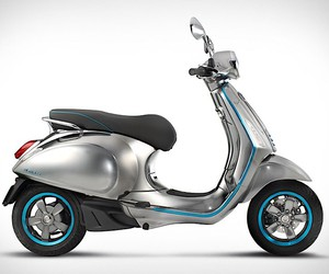 Here comes the E-Vespa - without rattling