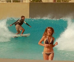 Surfing: Globes's Electric Blue Heaven