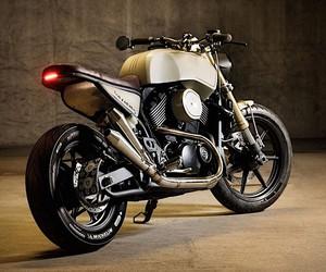 Colin Cornberg completely rebuilds a Harley