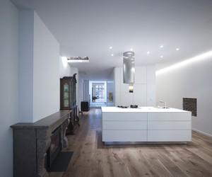 House Nieuwegracht by Rocha Tombal Architects