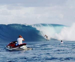 Surfing in Micronesia: LNF – INSIDE OUT