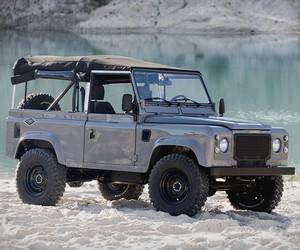 Land Rover D90 Grey