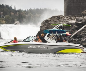 Mastercraft XT20 Powerboat