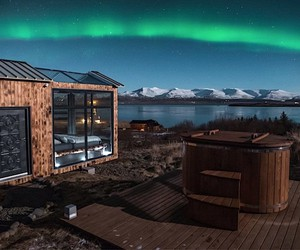 """Stars are watching in the """"Panorama Glass Lodge"""""""