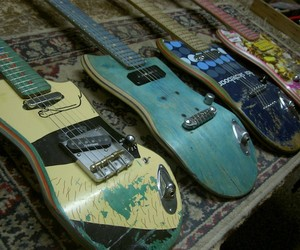 Guitars made of shreddered Skateboards