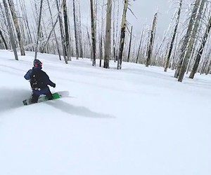 Relaxed snowboarding with Curtis Jackson
