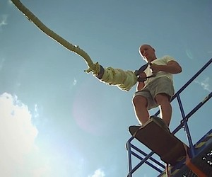 Video: Bungee Jump without fuse