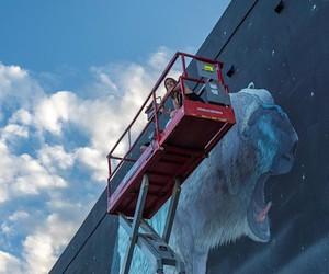 "Street Art: ""Nanuk"" shows a polar bear in Miami"