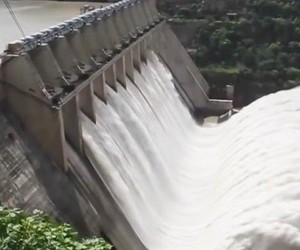 If dams open the locks in an emergency
