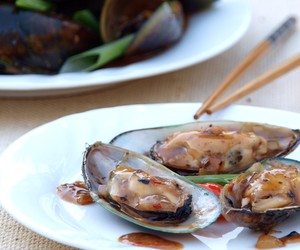 Mussels with Black Bean and Chilli Sauce