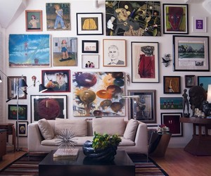 Decorate Your Walls Without Permanent Pieces