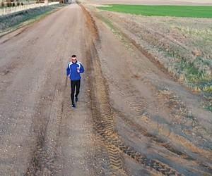 The world's fastest reverse runner